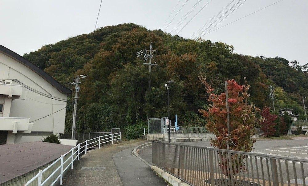山の入り口